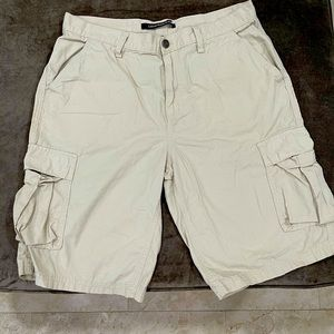 Men Calvin Klein Size 32 Cargo Shorts